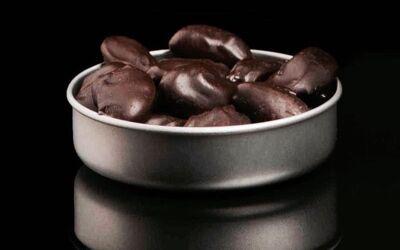 Çikolatayı Bademle Yemek Kolestrolu Düşürmeye Yardımcı